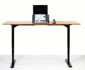 A basic adjustable standing desk