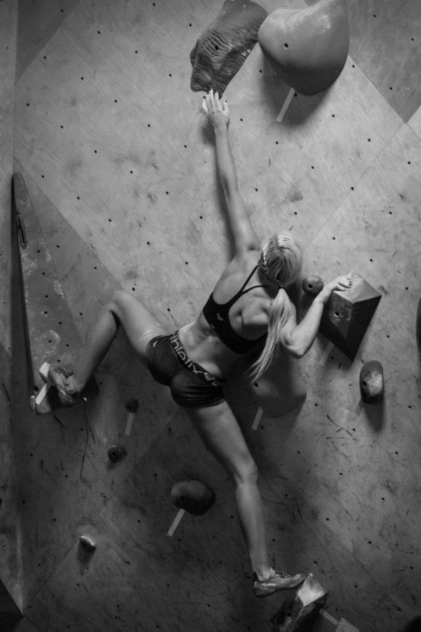 Hot Girl Rock Climbing