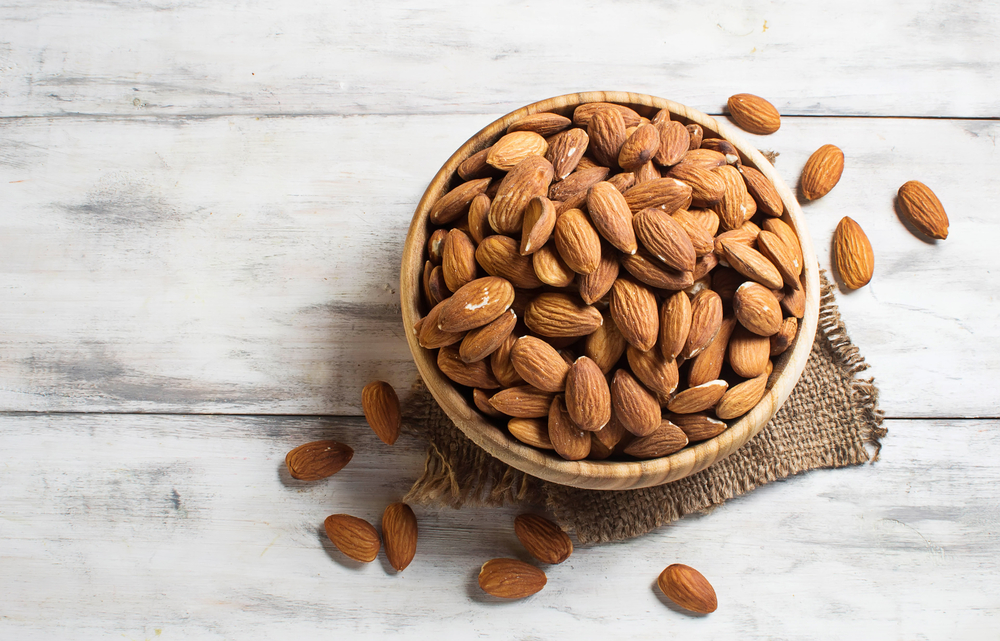 brain-boosting-foods-almonds