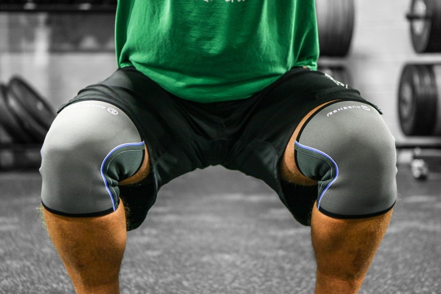29b9d86ee7 Should You Wear Knee Sleeves For Squats? - Ignore Limits