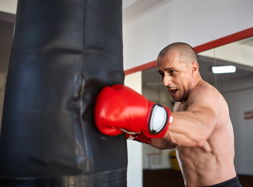 How To Throw A Left Hook Correctly - Ignore Limits